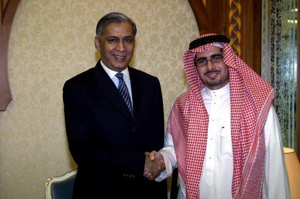 Faisal J. Abbas interviews Shawkat Aziz in Jeddah, 2004